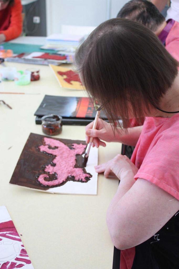 Atelier papier mâché style art-aborigène