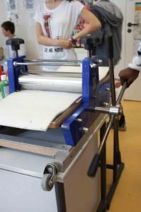 La presse qui permet d'imprimer les plaques.
